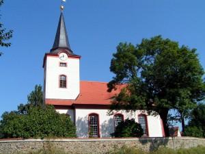 Dreiskau-Muckern, Kirche